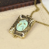 Fashion Vintage Bronze Love Birds Retro Necklace Sweater Chain with Photo Box